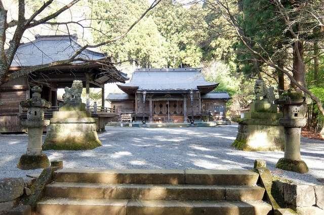 ⛩子持神社 本社|群馬県渋川市 - 八百万の神